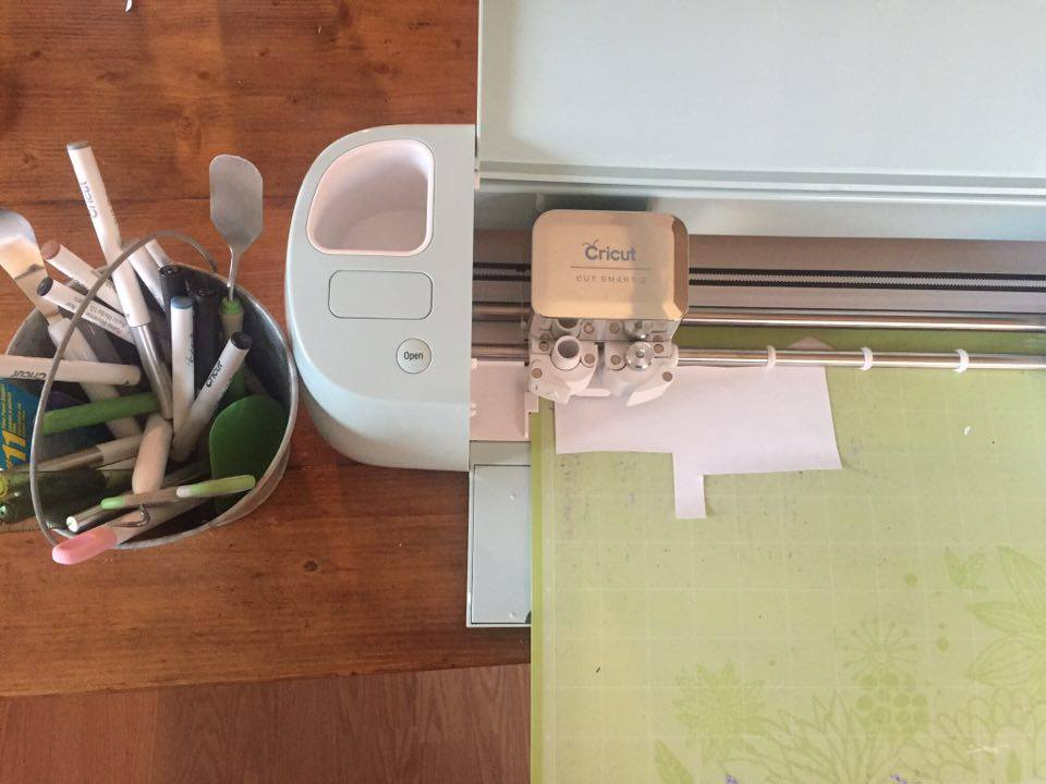 Have you tried the new Cricut Air 2 yet?! #spon