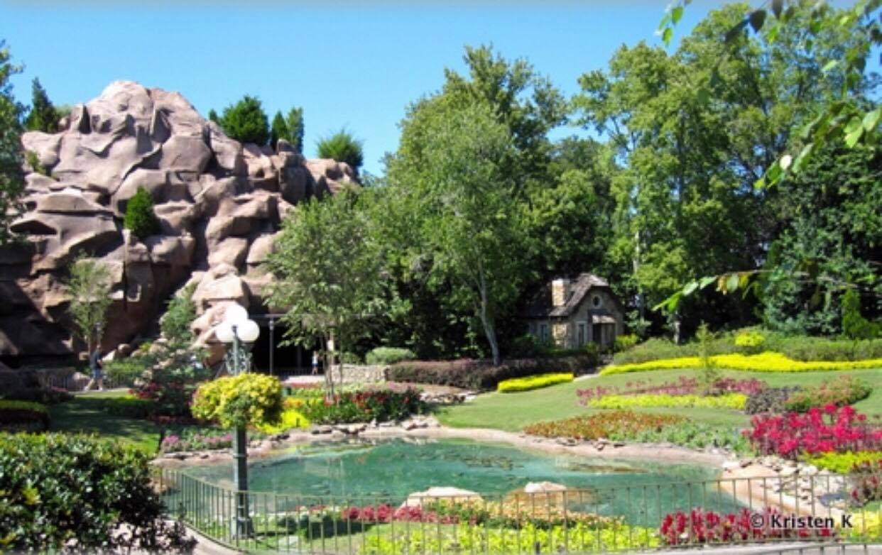 20 great tip[s for older people going to Disney World!